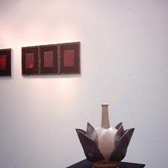 【写真】ミニデジで撮影したみなとみらいギャラリーの陶器