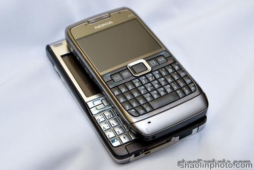 Nokia E71 vs E61