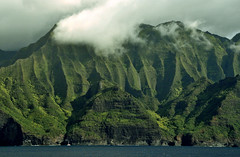 Sailboat on The Na Pali Coast (Jeff Clow) Tags: sailboat landscape island hawaii cliffs explore kauai coastline bec napali thenapalicoast jeffrclow