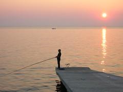 Tramonto Meraviglioso...Mirupafshim! (Gela82) Tags: sunset sea tramonto mare puestadesol albania lungomare ocaso pescatore durazzo durrs shqipria abigfave perendim nginationalgeographicbyitalianpeople