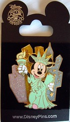 Minnie NYC pin (Disney Dan) Tags: nyc newyorkcity usa ny newyork america us unitedstates manhattan 5thavenue disney september 2008 disneystore worldofdisney worldofdisneystore worldofdisneynyc