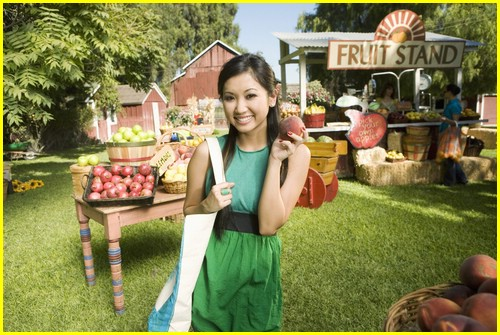 brenda-song-pass-the-plate-03