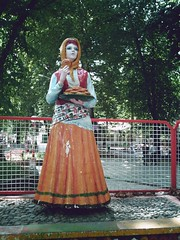 One of The Four Girls    (Roosta Khanevaneh) Tags: park woman tree green girl iran iranian  gilan      guilan fooman    fowman fouman