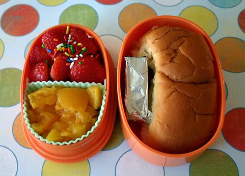 Preschooler Bento #114: December 9, 2008