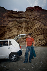 Gear Unloaded at Sakhi Sarwar (SayDirect  AvidDuo ) Tags: pakistan selfportrait car canon photographer sigma 1020mm dop manfrotto 30d videodirector farrukhpitafi saydirect sakhisarwar