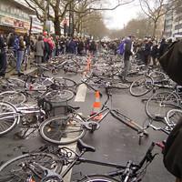 Fahrradniederlegung am Kudamm