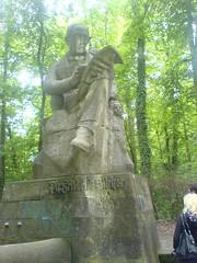 OMG! Es ist ein Riesensilcher (floriankohl) Tags: deutschland skulptur neckar tbingen badenwrttemberg neckarinsel friedrichsilcher