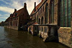 Old St Johns Hospital (Papafrezzo, 2007-2015 by www.papafrezzo.com) Tags: canal nikon belgium brugge bruges middleages veniceofthenorth d80