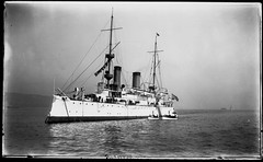 Olympia (George Eastman House) Tags: ship usnavy usn cruiser warship c6 georgeeastmanhouse unitedstatesnavy trainingship ca15 protectedcruiser ussolympia unionironworks cl15 ussolympiac6 photo:process=gelatinsilverprintprinted1977fromoriginalnegative ix40 color:rgb_avg=909090 geh:accession=197701440073mp ussolympiaca15 ussolympiacl15 ussolympiaix40 barracksship