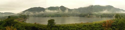 頭寮大埤雲雨天全景