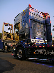 Scania R 620 V8 - Severn Hvzda (Mr.Awenec) Tags: light tractor night truck star north semi lorry camion r trailer northern tuning 2008 v8 airbrush scania 620 lados sraz zln hvzda bezvky severn kapn