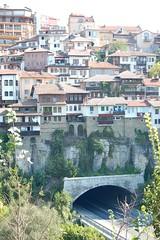 Underground (nickandrosemary) Tags: houses tunnel bulgaria yantra tarnovo bulgarien veliko bulharsko turnovo