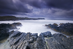 A Deafening Distance (Jono Renton) Tags: longexposure water clouds bay scotland nikon rocks long exposure islay renton jono waterscape d80 saligo ndx1000