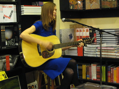 Juliana Hatfield, bookstore appearance