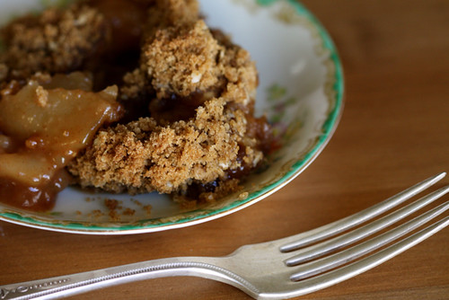 Sit and Stay Awhile Apple Crisp
