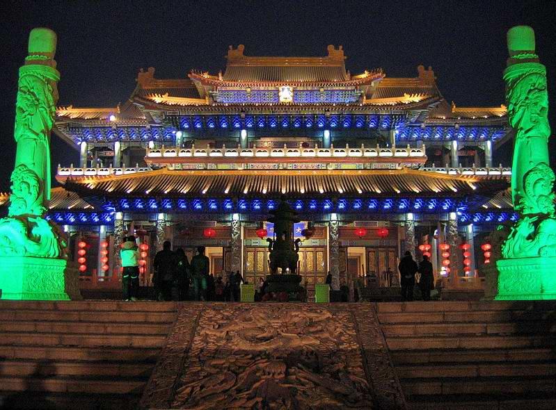 世界最大玉佛——重达260吨的巨型玉石 - hubao.an - hubao.an的博客