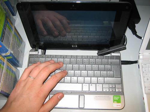 HP Mininote 2133 Netbook 2