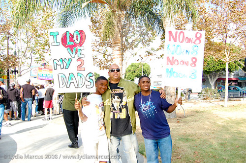 NoOn8_Protest_11-23-08-149