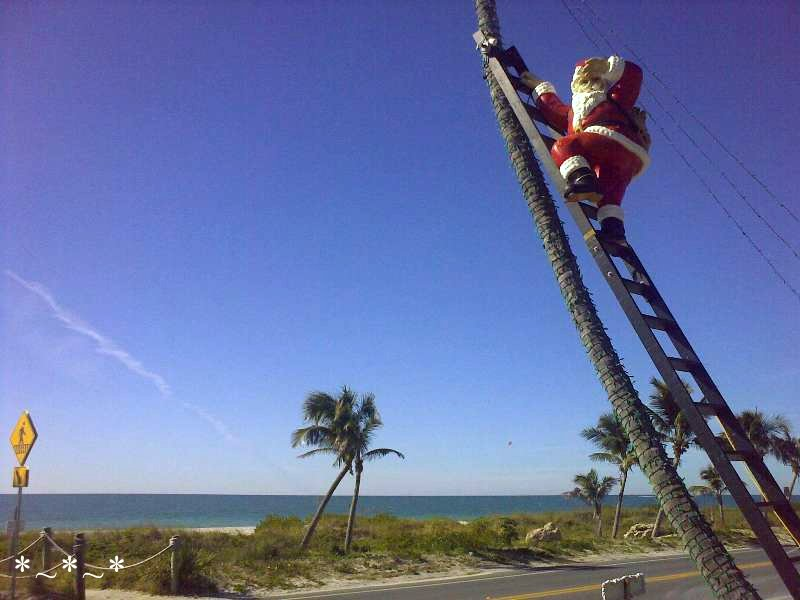 11272008444-Climbing-Santa-Tween-Waters-Inn