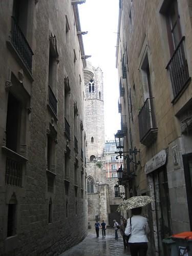 080522. your average street. barri gotic.