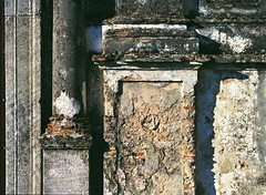 Gerace: Detail number 665 (Giorgio Verdiani) Tags: film church stone mediumformat 645 pentax chiesa reggiocalabria convento 6x45 pietra convent calabria 400asa pentax645 pelicola gerace medioformato tesidilaurea degreethesis