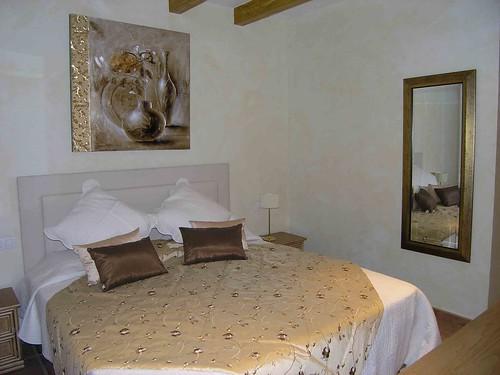 Lombor bedroom EJ