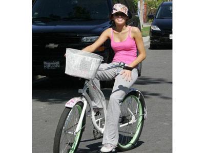 Miley_Cyrus_Bike