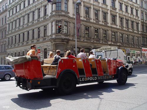 bakc red car