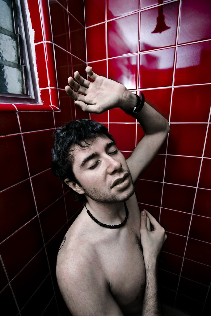 ducha escolta cabello rojo