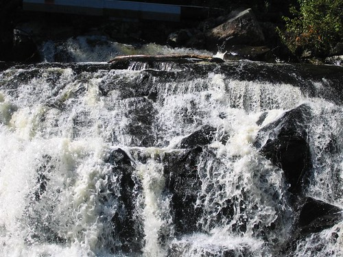 Water rushing over Barberville Falls