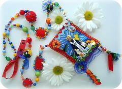 Aparecida (Lidia Luz) Tags: color necklace beads handmade felt feltro colar sachet penduricalho sachê nossasenhoraaparecida lidialuz