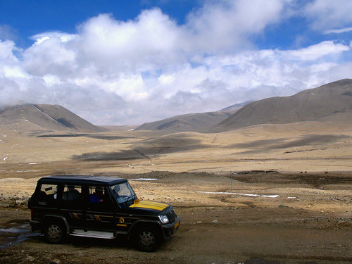 Our tour Package Vehicle to Gurudongmar Lake