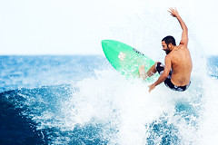Jack Johnson surfing (Kanaka Menehune) Tags: musician hawaii surf oahu surfer surfing northshore jackjohnson