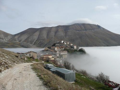Castelluccio di Norcia pian grande Parco nazionale dei Monti Sibillini