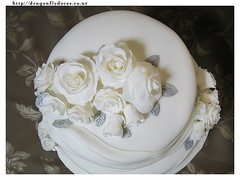 25th Anniversary cake (Dragonfly Doces) Tags: wedding cake de anniversary bolo japo 25th bolos bodas gunma prata isesaki