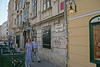 Siebensterngasse - Wien (Austria) (Meteorry) Tags: vienna wien street madame woman man art austria österreich spring pub europe terrace spaceinvader spaceinvaders 2006 invader mann frau rue 2009 printemps invasion vienne autriche homme neubau meteorry siebensterngasse wn16 steirish