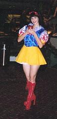 snow white at DragonCon'05 (Cliffather) Tags: cute highheels legs good heroine snowwhite con 1000 dragoncon 1000views