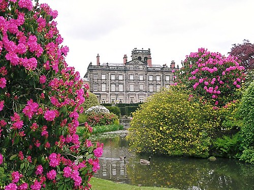 Biddulph Grange in Bloom - flckr - Sue Hasker - Away