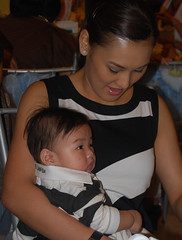 CARLENE AGUILAR & SON CALIX (photo by VER PAULINO)