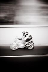 60 km/h (Krynowek Eine) Tags: city bw motion monochrome lines de mexico df raw pareja ciudad movimiento adobe motorcycle velocidad lineas motocicleta lightroom bwdreams dflickr tlaxcoaque dflickr310508