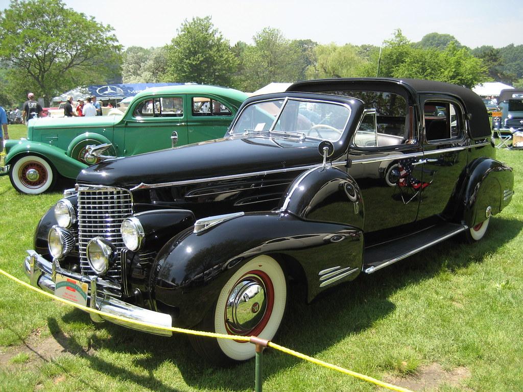 Cadillac 90 (1938)