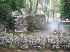"""Fountain in a Burgos Park • <a style=""""font-size:0.8em;"""" href=""""http://www.flickr.com/photos/48277923@N00/2621974085/"""" target=""""_blank"""">View on Flickr</a>"""