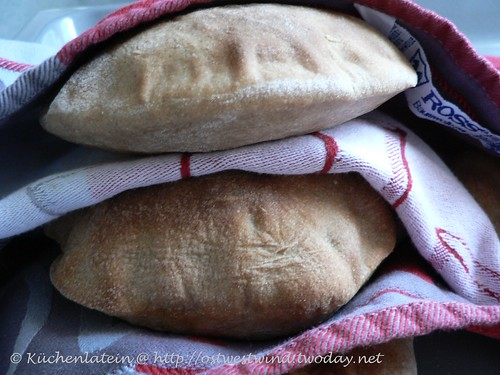 ©whole wheat pita bread 002