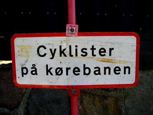 Cyklister paa kørebanen