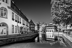Petite France (Philipp Klinger Photography) Tags: white house black france reflection tree water architecture reflections river strasbourg filter alsace philipp channel petite cpl polarization klinger aplusphoto dcdead