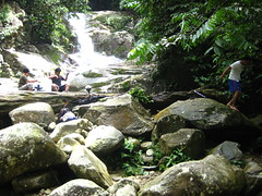 air terjun Lepor, Hulu Langat (Pairan) Tags: nature rural relax fun waterfall outdoor malaysia kawan outing alam airterjun lepor santai lepak hululangat beautyofnature alamsemulajadi