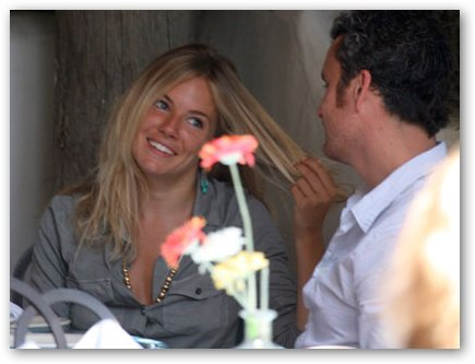 Sienna Miller & Balthazar Getty Have Lunch