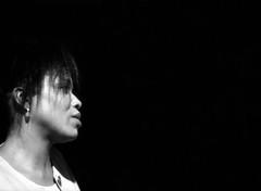 dee dee bridgewater # 1 (manuel cristaldi) Tags: leica blackandwhite bw musician music woman film 35mm blackwhite noiretblanc live trix earring jazz verona singer jazzfestival blackdiamond blancinegre livejazz musicphotography blackandwhiteportraits deedeebridgewater artisticexpression visualjazz schwarzweis views900 greatpixgallery10faves passionphotography iloveblackandwhite artlibre bwphotoaward jazzlivebw livemusicphotographs portraitaward musicarte feltlife myverypersonalbw stunningphotos2 lifeinmonoaward ©manuelcristaldi