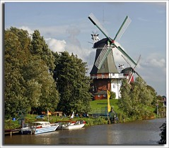 (690) Zwillingsmhlen von Greetsiel / Ostfriesland (unicorn 81) Tags: color windmill architecture wow germany geotagged deutschland mhle interestingness colorful europa europe windmills explore northsea ostfriesland greatshot nordsee friesland germania kickass norddeutschland windmhle niedersachsen mapgermany northerngermany greetsiel molinodeviento frisia moulinvent niemcy saksa ausgezeichnet krummhrn nordseekste explorephoto eastfriesland architekturdeutschland unicorn81  medalled