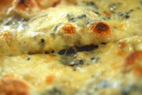 Quattro formaggi pizza - DSC_7407